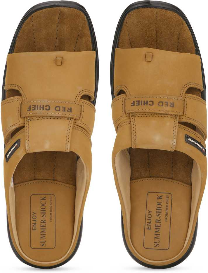 RED CHIEF  Men Brown Flats Sandal